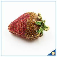 China Small Starwberry with Rhinestone jewelry trinket box wholesale Delicate Wedding Gifts on sale