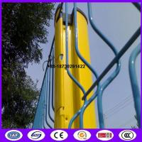 Quality 3m Peach Shape pole along with Triangle Bending Panel from China as fence application for sale