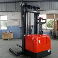 Full Free 3 Stage 3000mm Electric Pallet Stacker 1600kg  Stepless Control