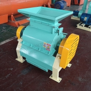 Quality NPK fertilizer crusher for Fertilizer urea crushing machine top qualitky cow manure crusher machine equipment for sale