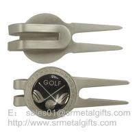 Quality Small quantity wholesale metal golf pitchfork with golf design epoxy dome, for sale