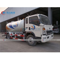 China Sinotruk Howo 160HP 10000L 10cbm 5Tons Liquified Petroleum Gas Refilling Tanker Truck on sale