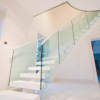 Quality Fabricate Wood Straight Staircase / Internal Fashionable L Shape Stairs Design for sale