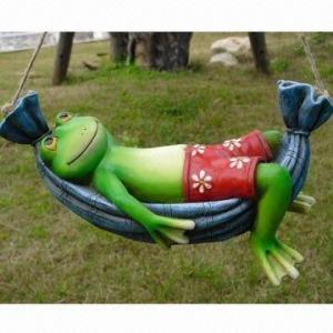 China Polyresin Garden Animal Frog Crafts Decoration on sale