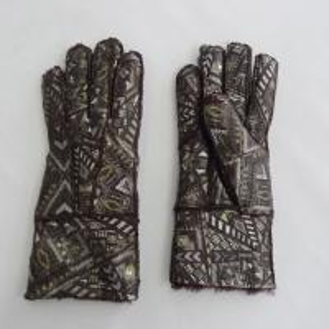 China Promotional fashion 5 fingers warm sheepskin shearling gloves on sale