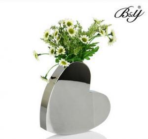 Quality metal Decorative flower vase,heart shape wedding vase for sale