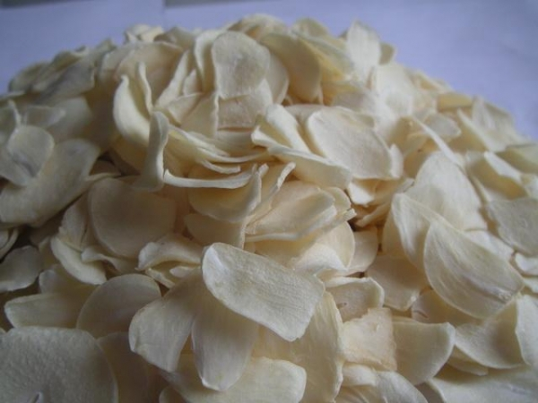 Buy garlic flakes at wholesale prices